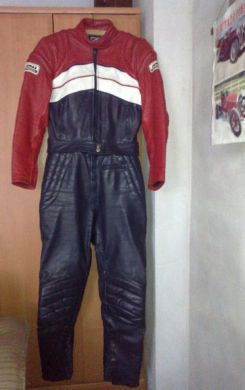 4fec8522f9d1 dámska kožená motokombinéza č.40