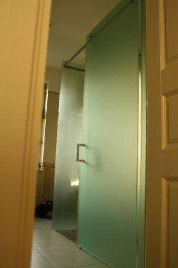 Výroba atypických  sprchovacích kútov a zásten