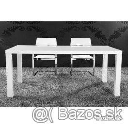 Jedálenský stôl R