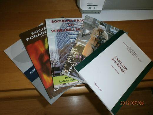 Predám knihy na štúdium sociálnej práce