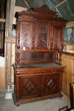 Ponúkam na predaj starožitný nábytok