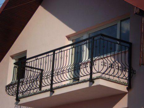 Predam kovane balkonove zabradlie.