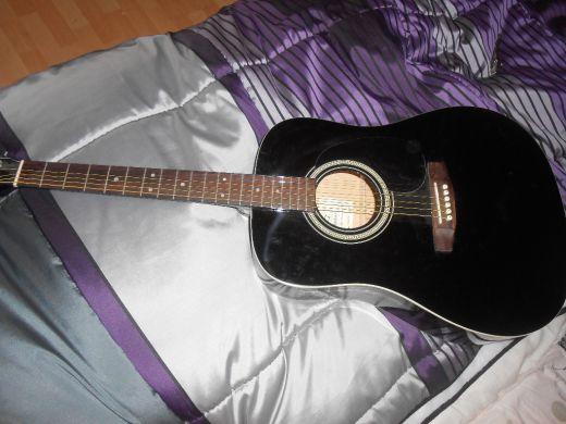 Akustická gitara