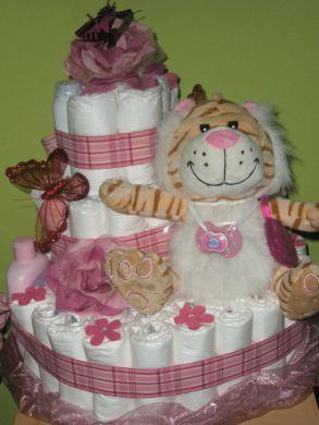 Plienková torta s kozmetikou .